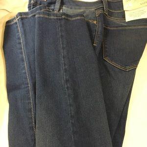 NYDJ Medium Wash skinny jeans